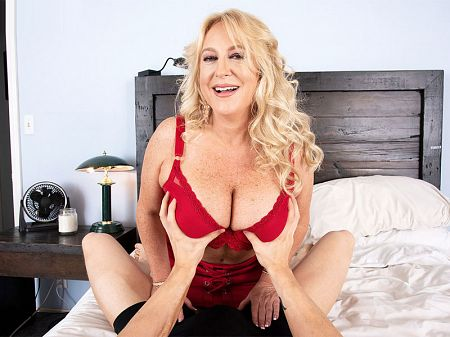 Sam Shock - XXX MILF video