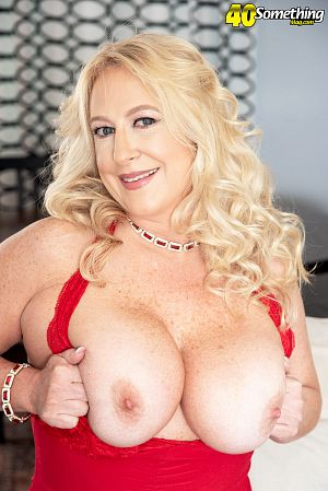 Nina Bell - Solo MILF photos