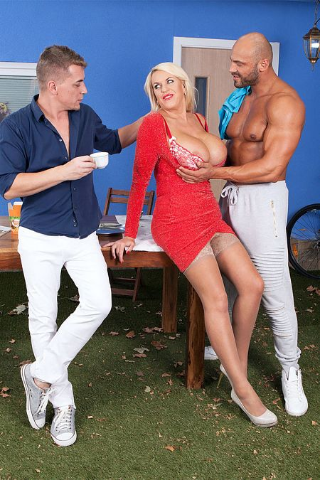 Steve Q - XXX MILF photos