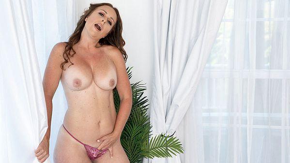 Meet Brandii Banks...and her butt plug