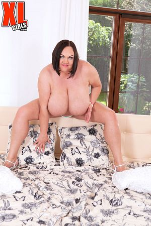 Solo BBW photos