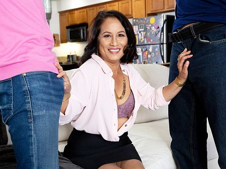 DP'd by her step-son and his buddy!