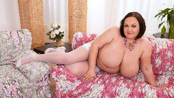 Natascha Romanova: Nipple Pleasure