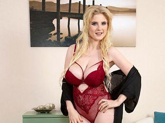 Casey Deluxe: Breast Sex Fantasy