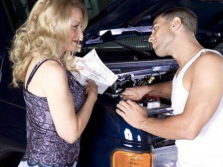 Robin Pachino: The MILF & the mechanic