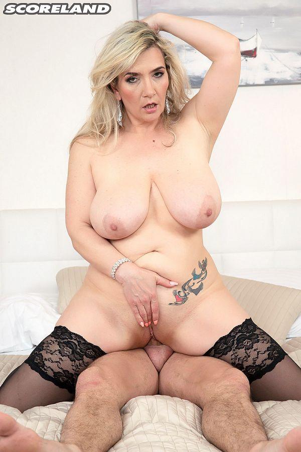 Sandy BigBoobs: Busty, Lusty Cock Worshipper