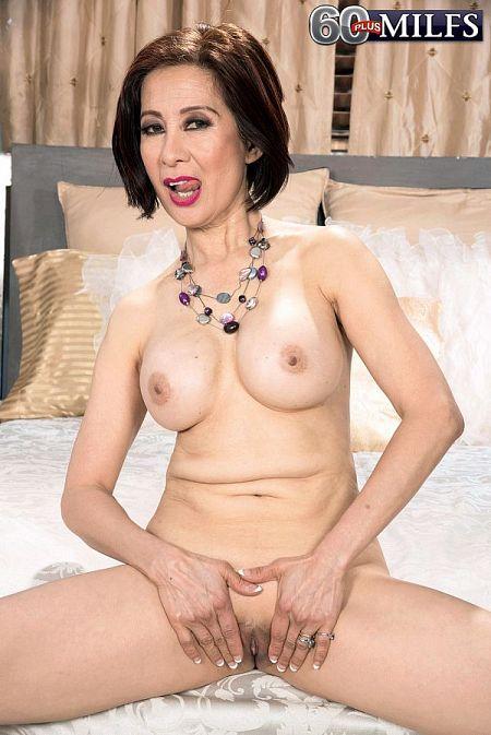 Kim Anh's fuck-hole show