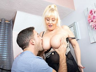 Sex with a busty British MILF named Wendy Leigh