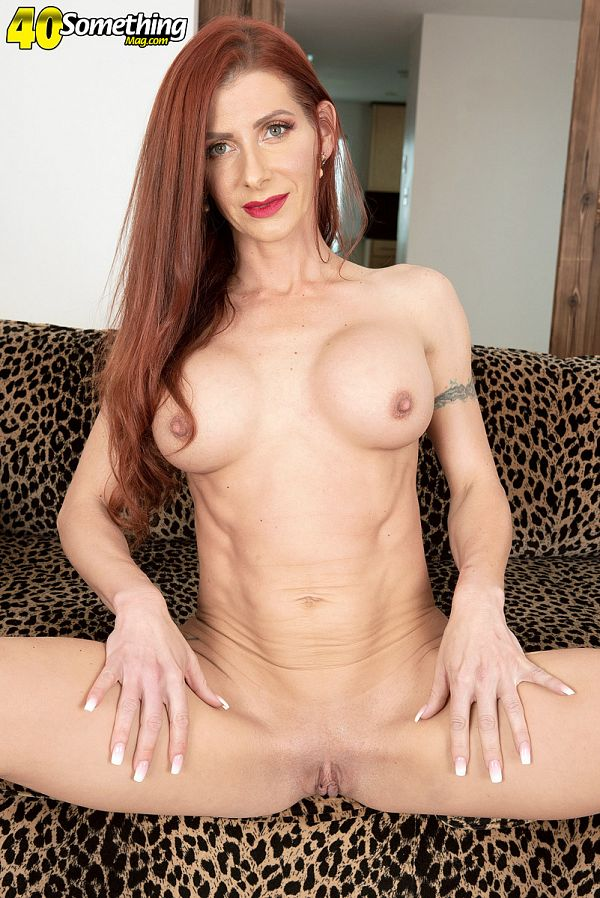 Slender and sexy with an amazing pussy