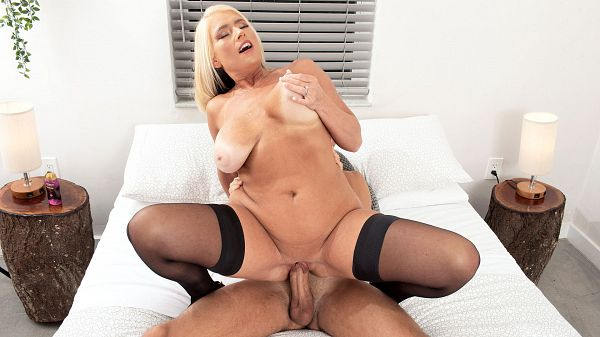 Maddie Cross's first on-camera fuck