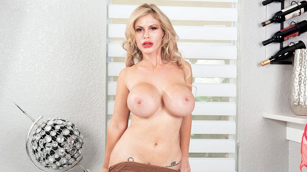 Casca Akashova Casca Akashova: Sinfully Sexy
