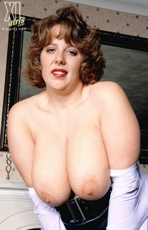 Claire - BBW photos