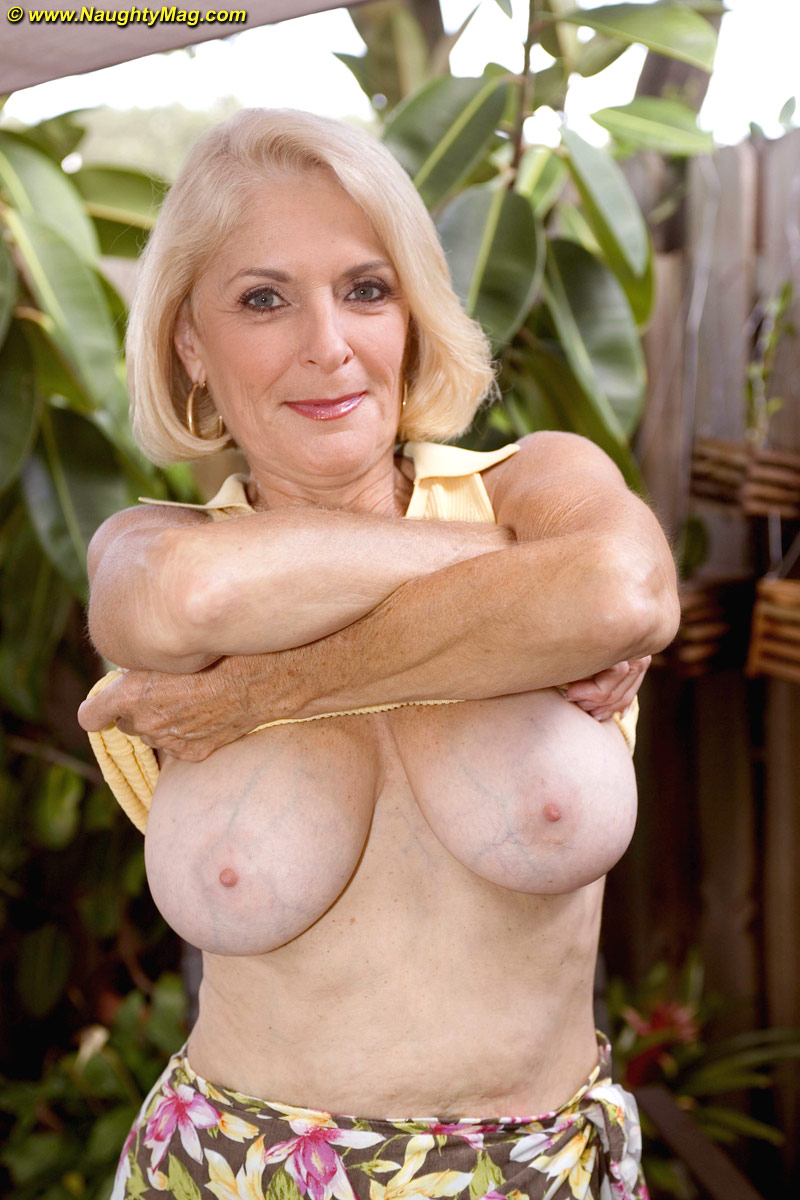 Latin mature women 1-1309
