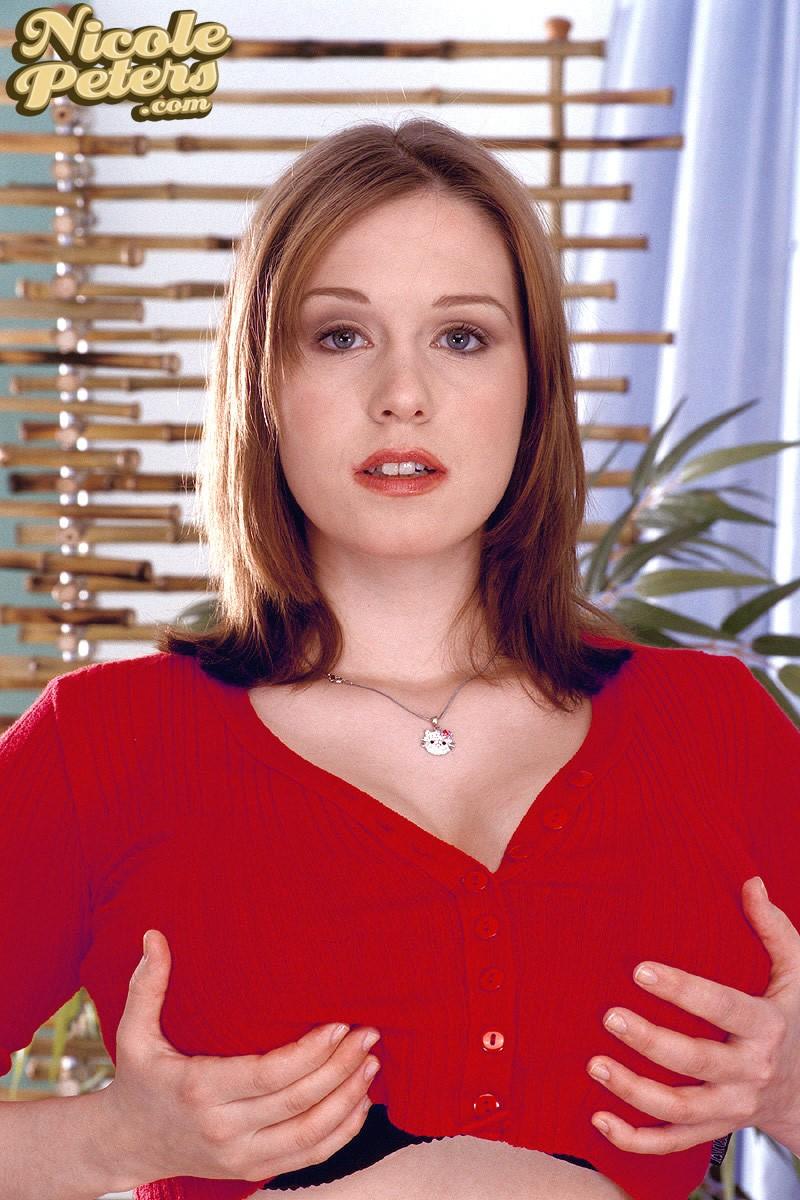 Red Shirt - Nicole Peters (70 Photos) - Big Boob Bundle