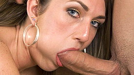 Mia Moore Thumb 2