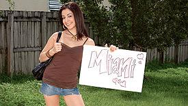Nikki Vee Thumb 1