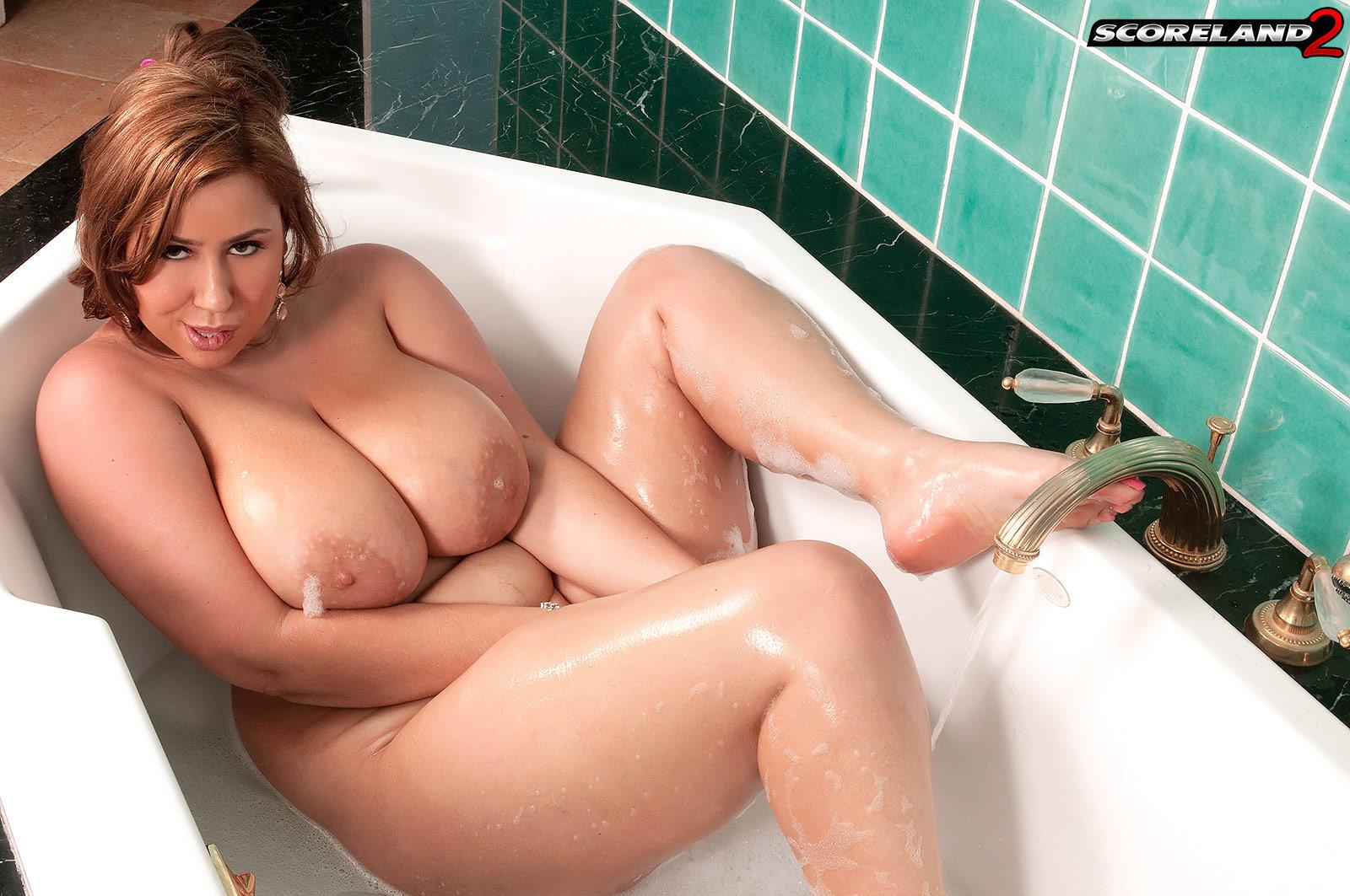 Секс с толстушка в ванной, Секс видео с русской толстушкой в ванной на 22 фотография
