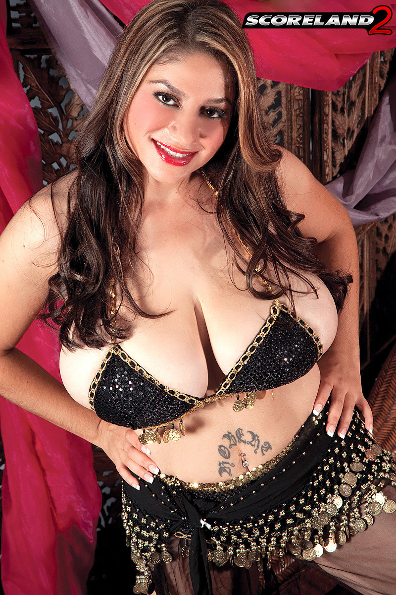 Huge tits belly dancer