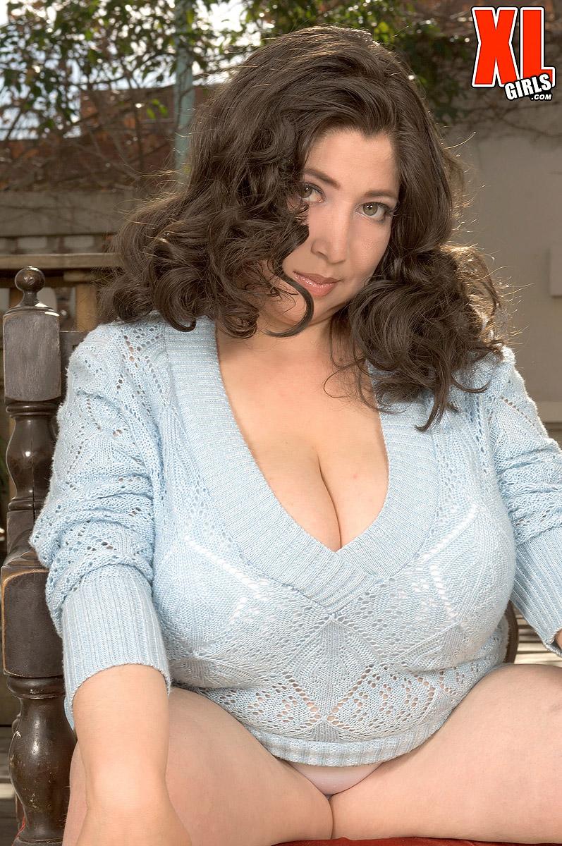 jailbait in sexy lingerie