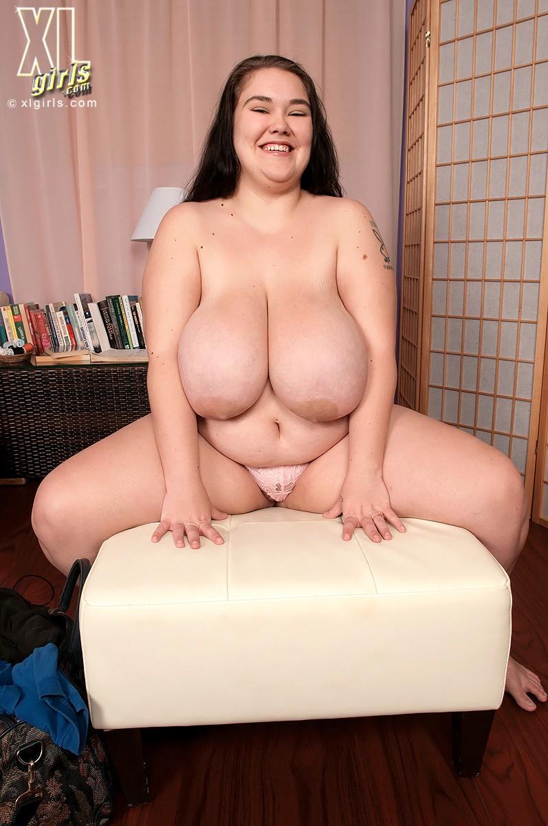 xl-girls-naked-women