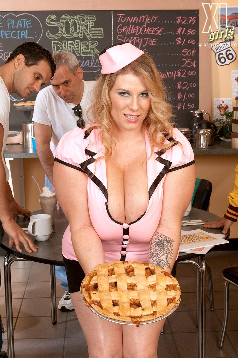 bbw porn Waitress